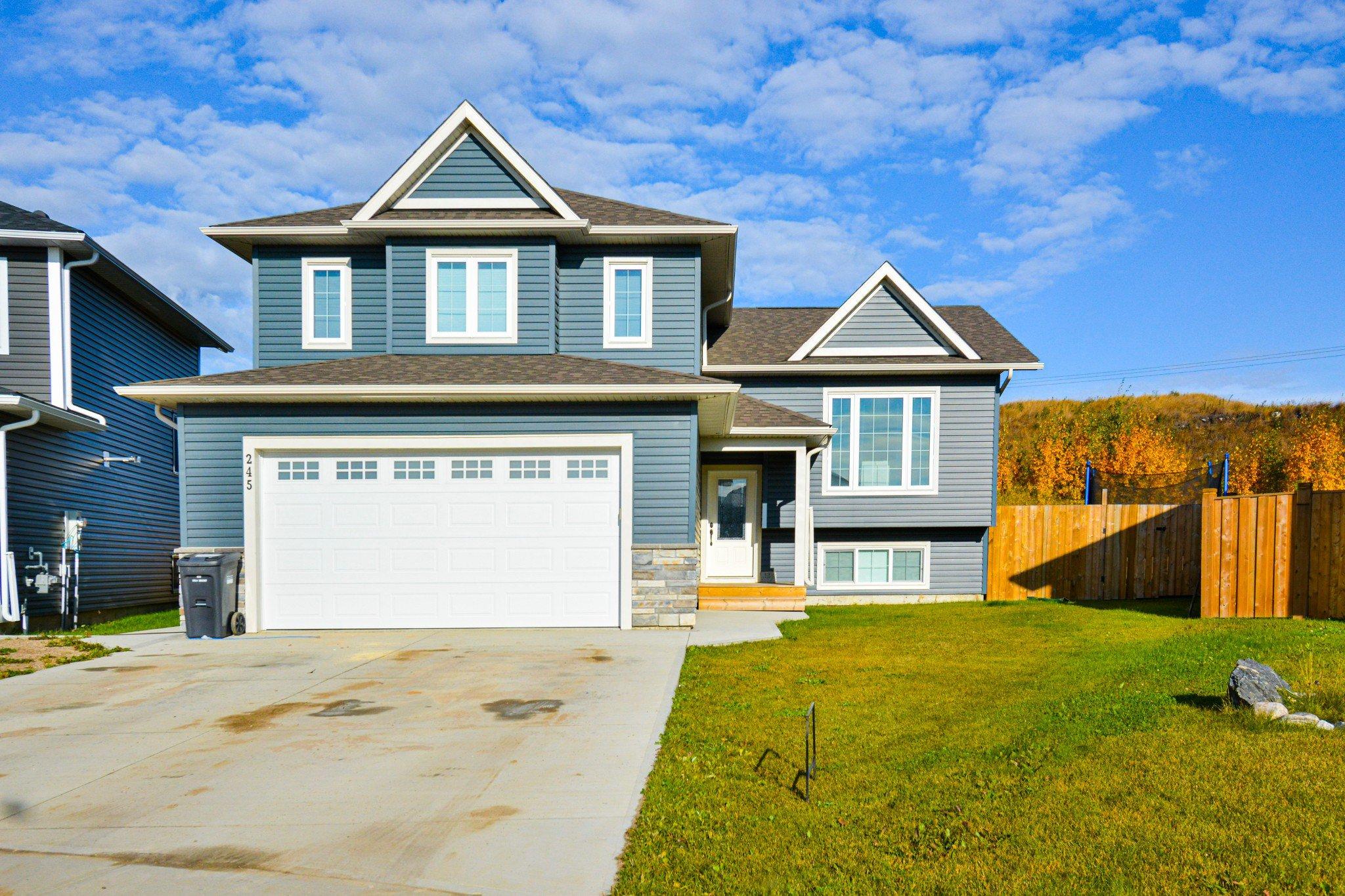 Main Photo: 245 Terra Nova Crescent SE: Cold Lake House for sale : MLS®# E4215244