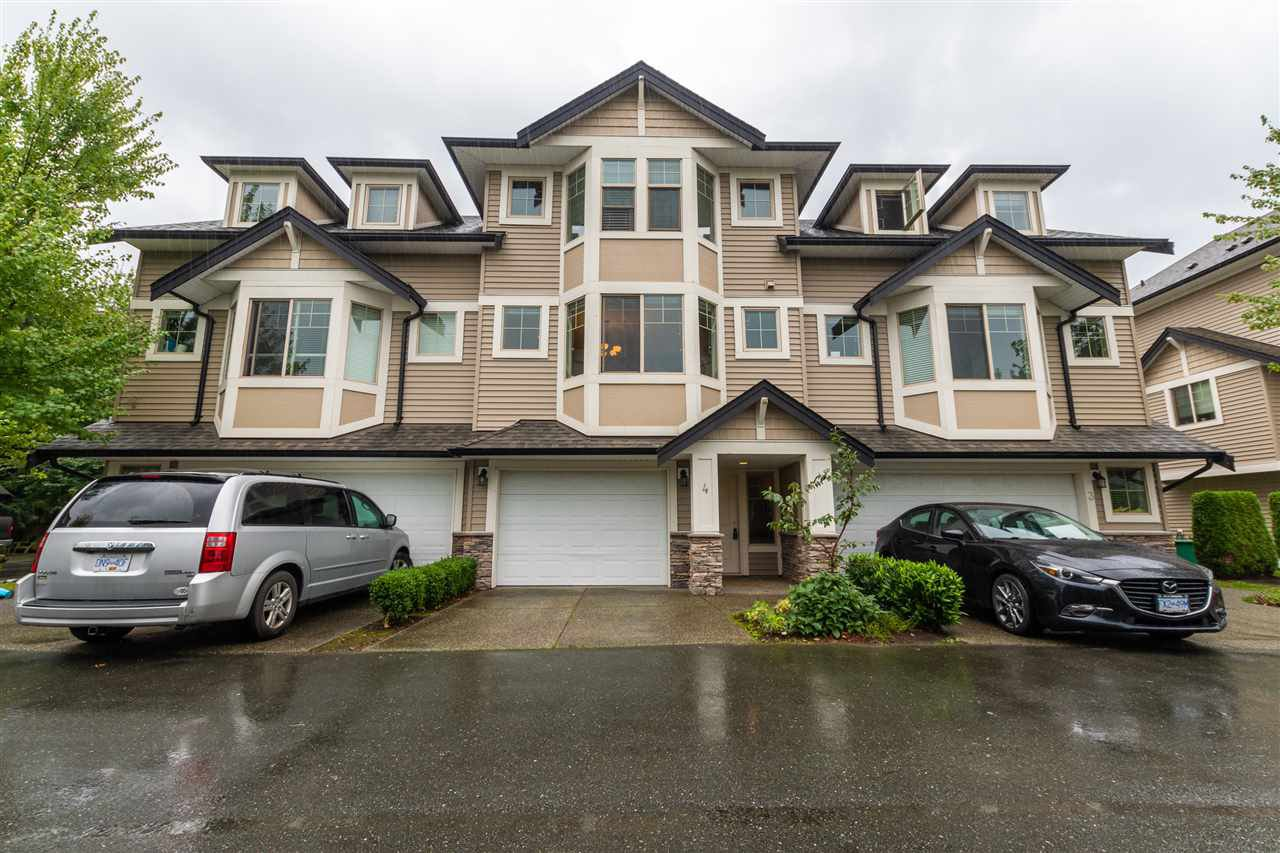 """Main Photo: 4 9280 BROADWAY Road in Chilliwack: Chilliwack E Young-Yale Townhouse for sale in """"FARRINGTON"""" : MLS®# R2501020"""