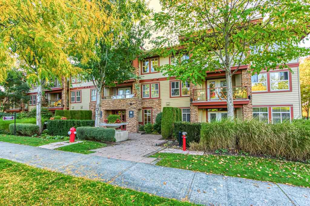 "Main Photo: 311 3355 ROSEMARY HEIGHTS Drive in Surrey: Morgan Creek Condo for sale in ""Tehama"" (South Surrey White Rock)  : MLS®# R2505835"