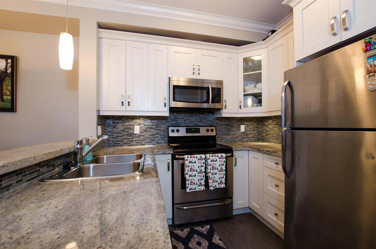 """Main Photo: 421 13897 FRASER Highway in Surrey: Whalley Condo for sale in """"EDGE"""" (North Surrey)  : MLS®# R2422441"""
