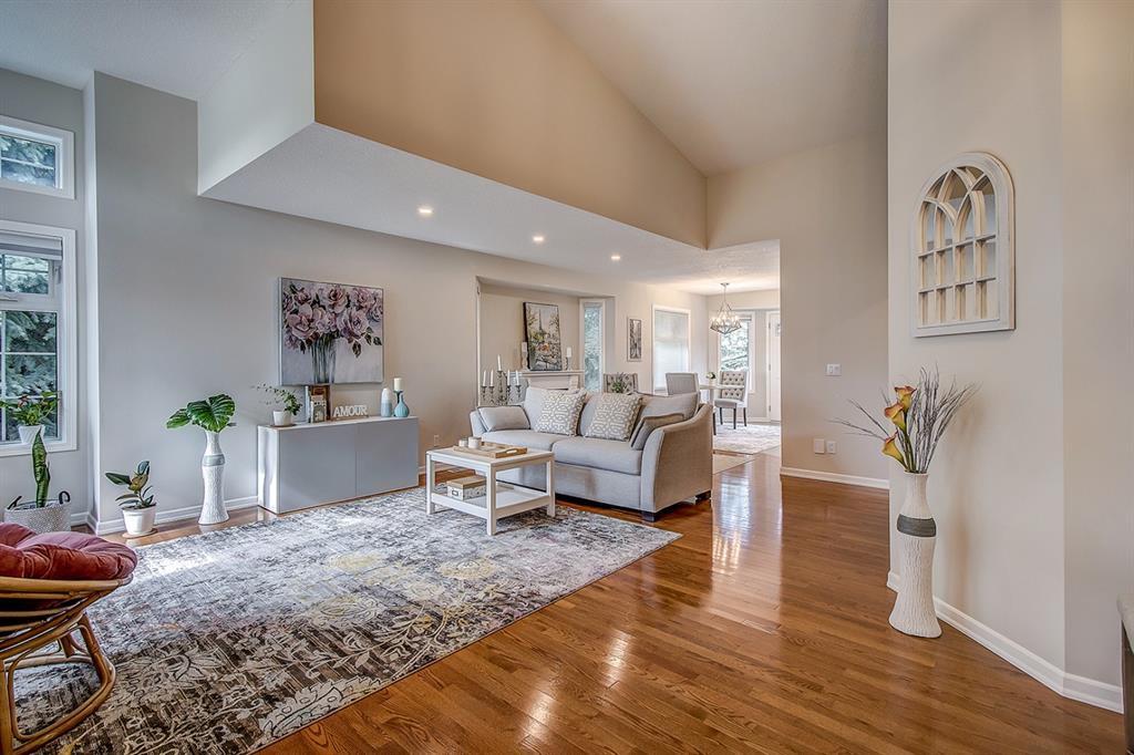Main Photo: 171 SIERRA MORENA Terrace SW in Calgary: Signal Hill Duplex for sale : MLS®# A1016074