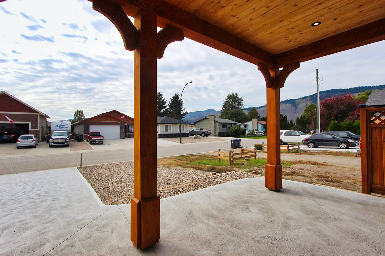 Photo 12: Photos: 203 Ash Drive: Chase House for sale (Shuswap)