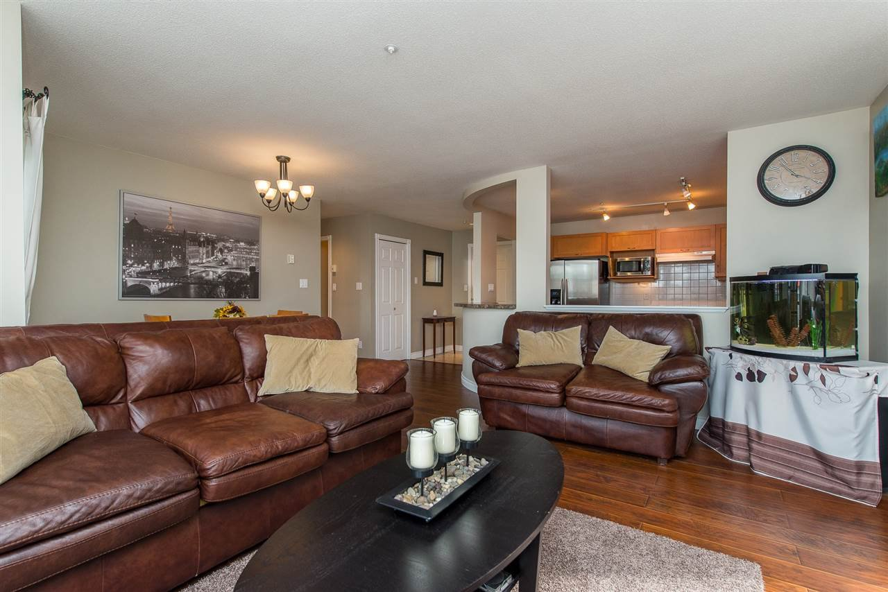 "Photo 13: Photos: 204 2585 WARE Street in Abbotsford: Central Abbotsford Condo for sale in ""The Maples"" : MLS®# R2408849"