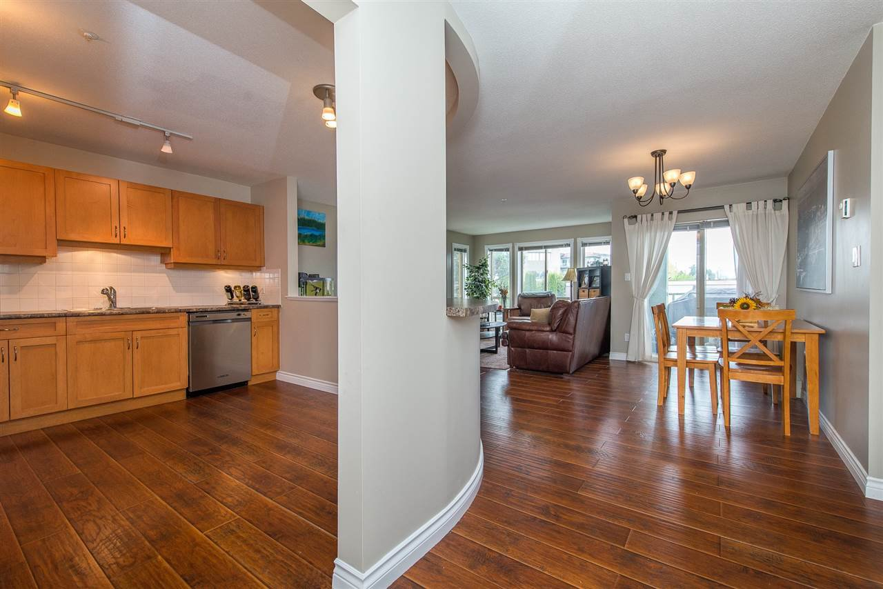 "Photo 6: Photos: 204 2585 WARE Street in Abbotsford: Central Abbotsford Condo for sale in ""The Maples"" : MLS®# R2408849"