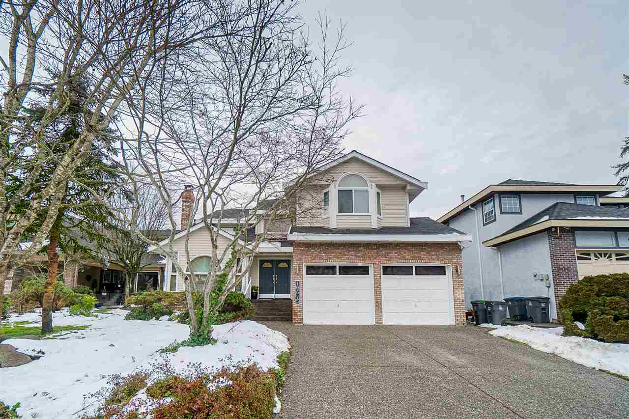 Main Photo: 10675 CHESTNUT Place in Surrey: Fraser Heights House for sale (North Surrey)  : MLS®# R2430423