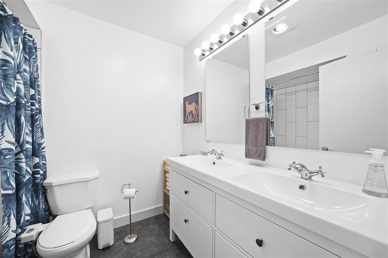 """Photo 16: Photos: 4921 RIVER REACH in Delta: Ladner Elementary Townhouse for sale in """"HARBOURSIDE"""" (Ladner)  : MLS®# R2455586"""