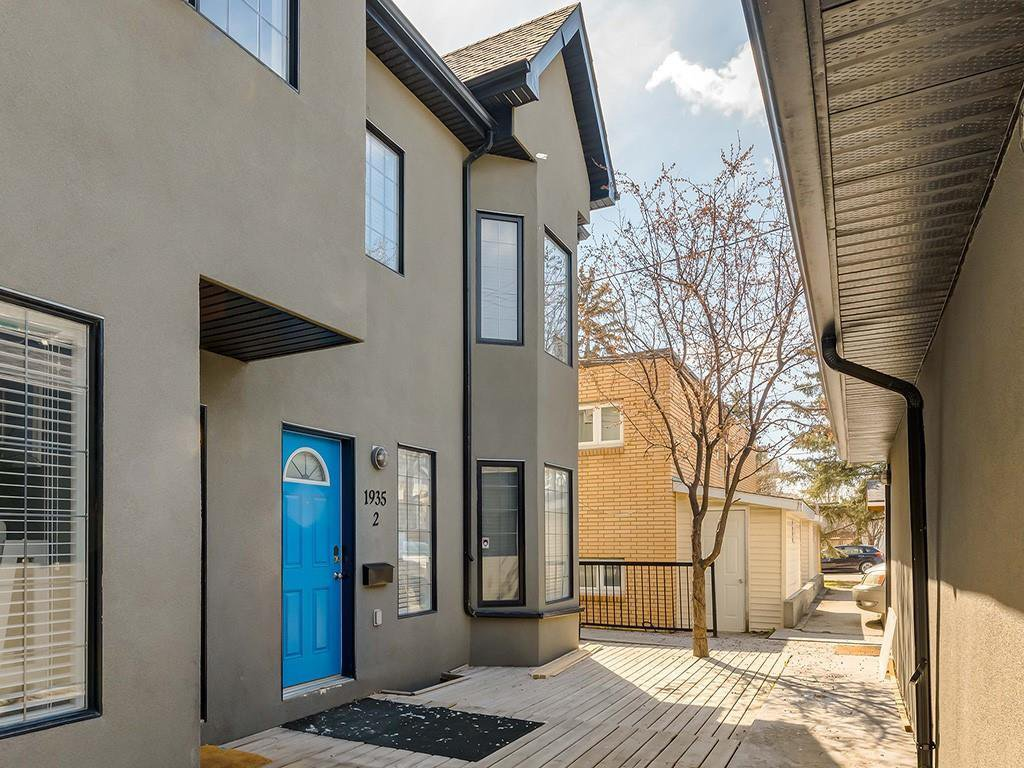 Main Photo: 2 1935 24 Street SW in Calgary: Richmond Row/Townhouse for sale : MLS®# A1028747