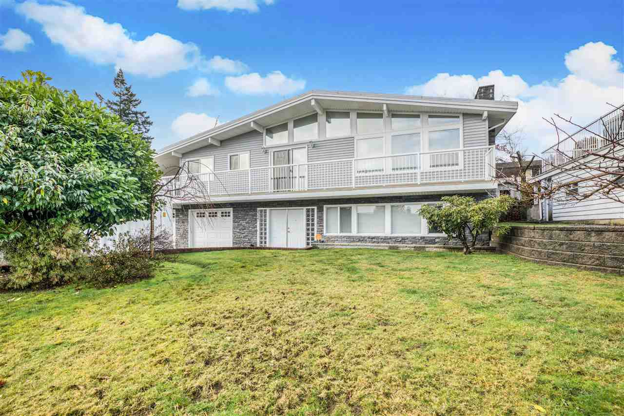 Main Photo: 2327 CASCADE Street in Abbotsford: Abbotsford West House for sale : MLS®# R2523471