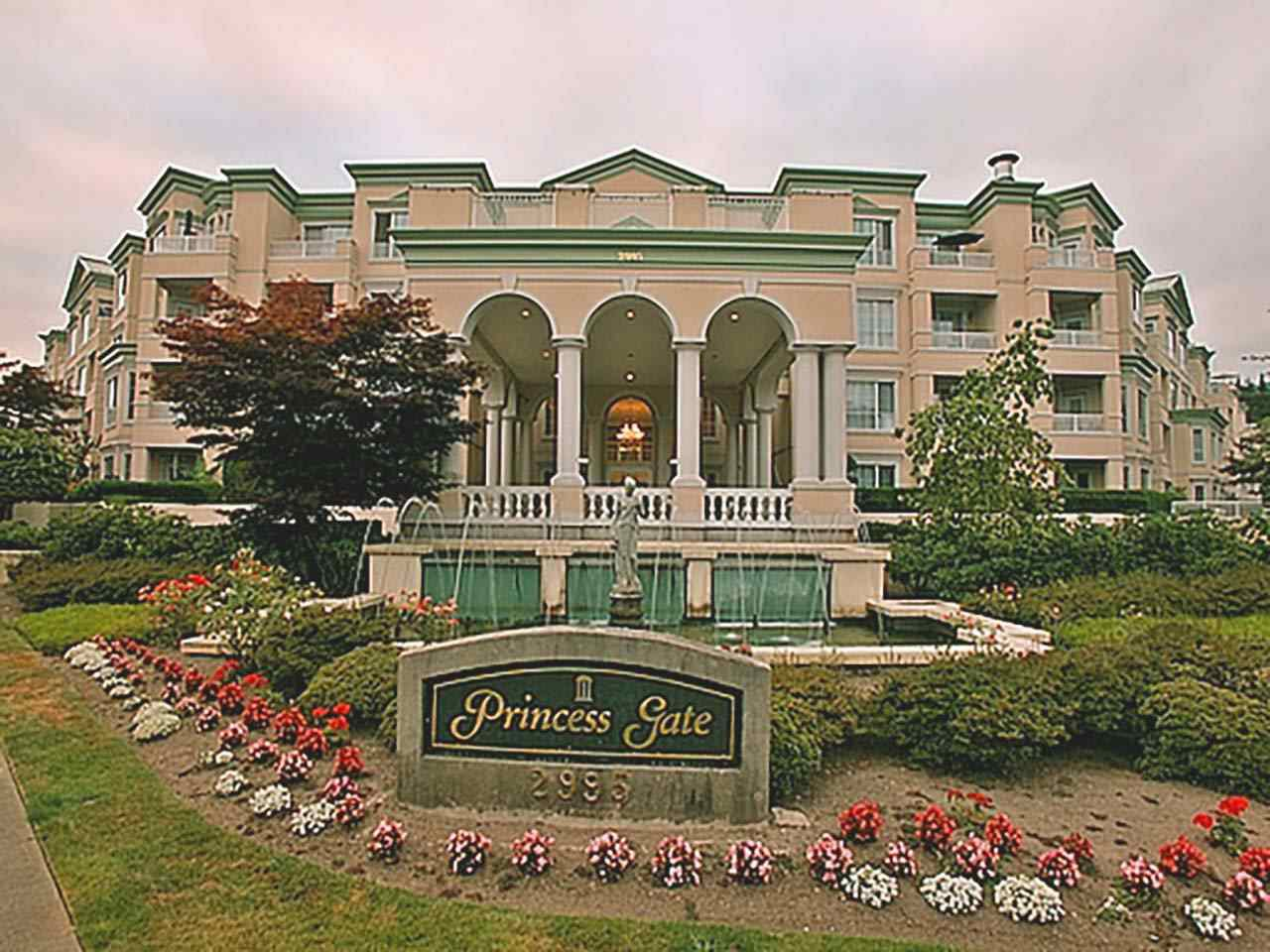 """Main Photo: 306 2995 PRINCESS Crescent in Coquitlam: Canyon Springs Condo for sale in """"PRINCESS GATE"""" : MLS®# R2402448"""
