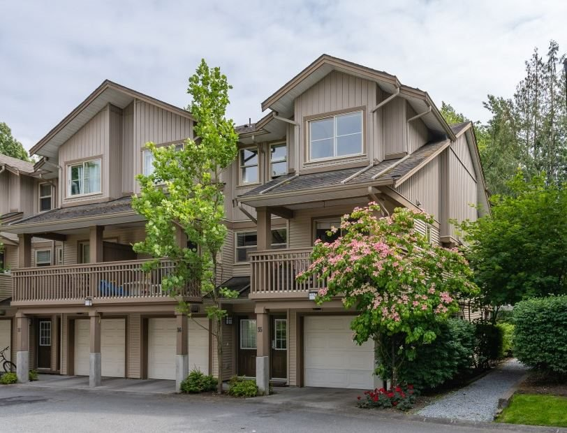 Main Photo: 35 19250 65 AVENUE in Surrey: Clayton Townhouse for sale (Cloverdale)  : MLS®# R2374516