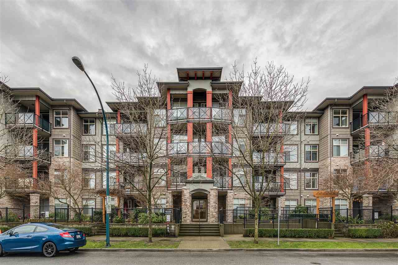 "Main Photo: 207 2336 WHYTE Avenue in Port Coquitlam: Central Pt Coquitlam Condo for sale in ""CENTREPOINTE"" : MLS®# R2423932"