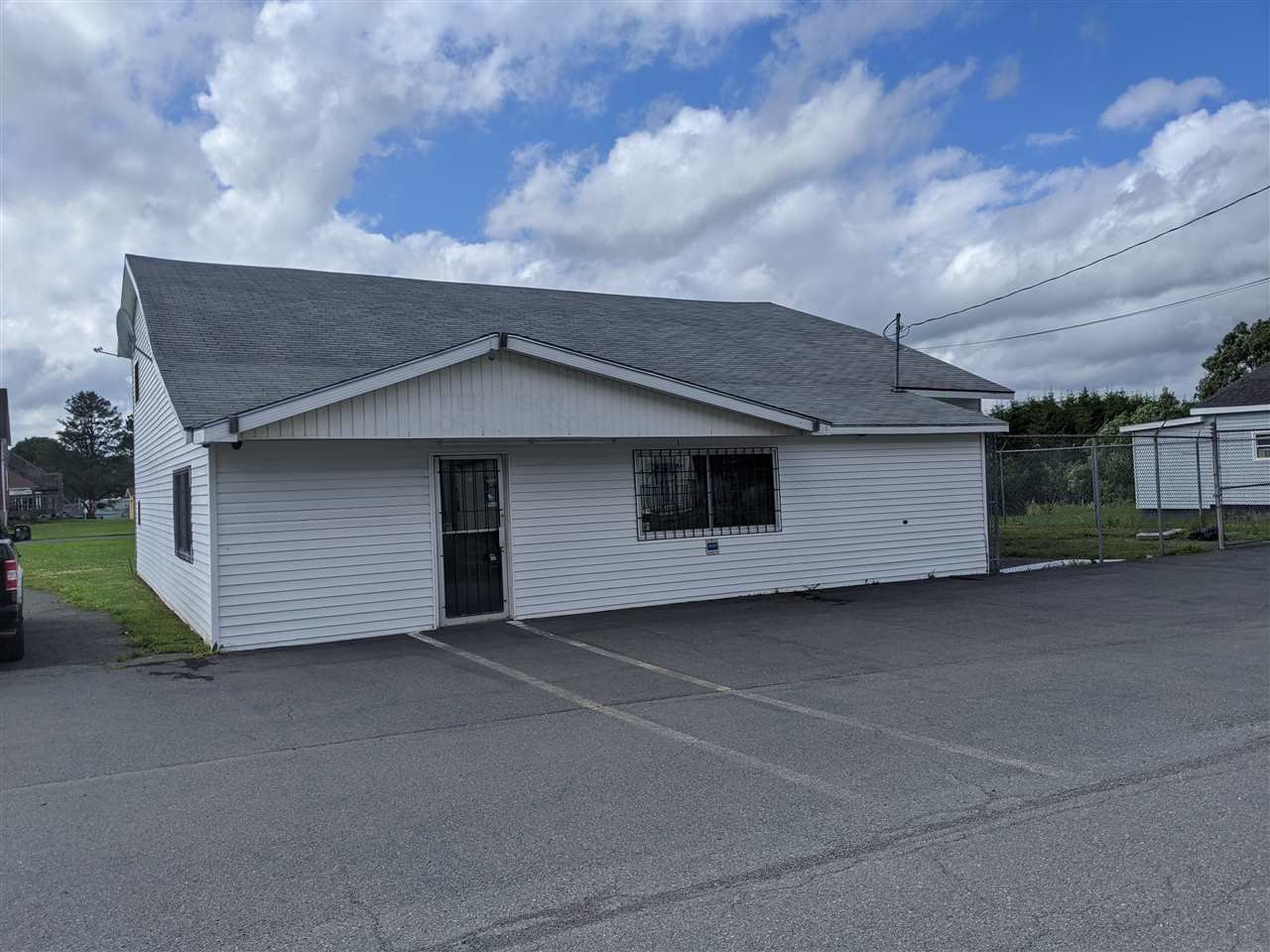 Main Photo: 2136 Maple Street in Westville: 107-Trenton,Westville,Pictou Commercial  (Northern Region)  : MLS®# 202013161