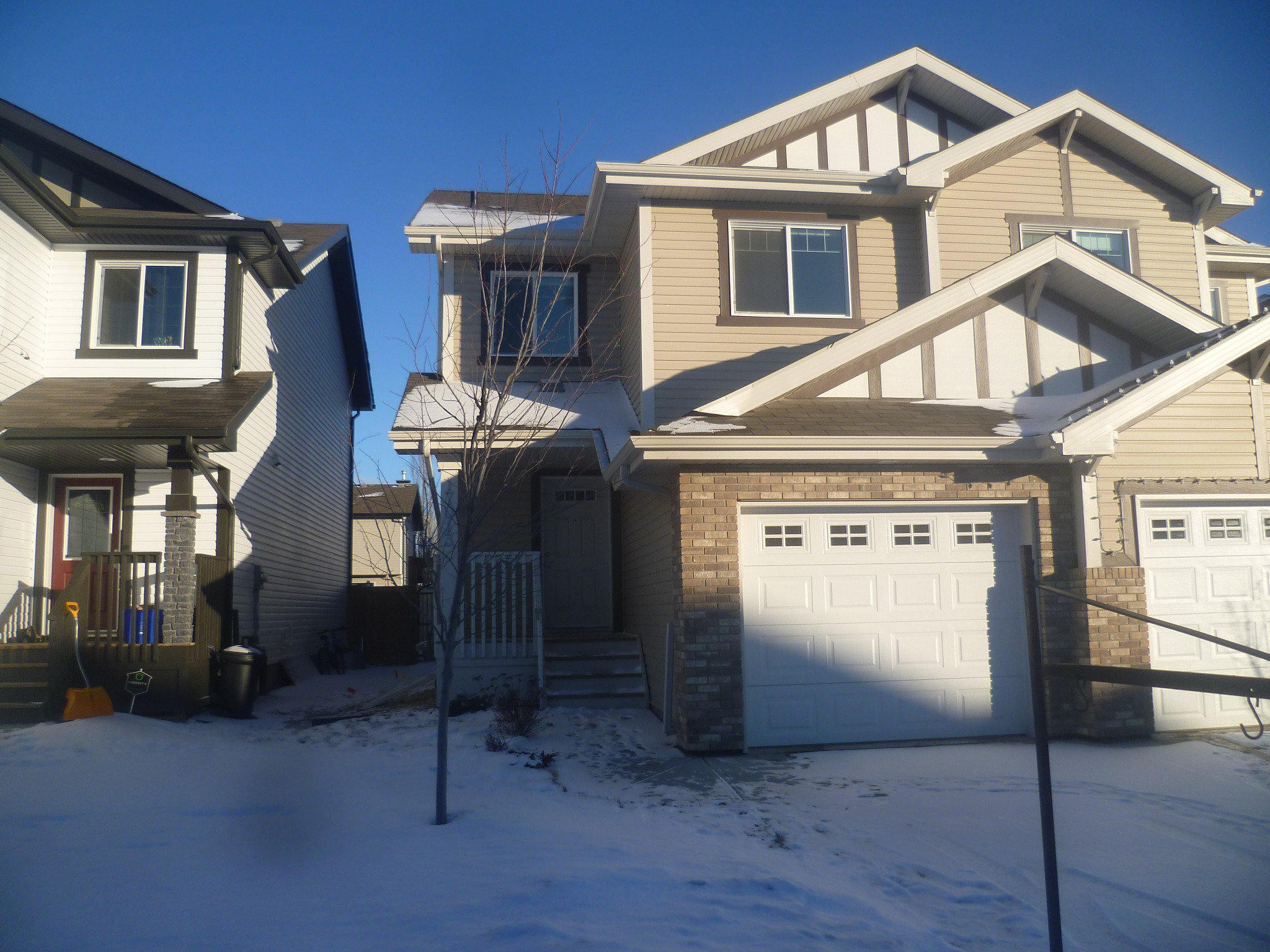 Main Photo: 17013 120 Street in Edmonton: House Duplex for rent