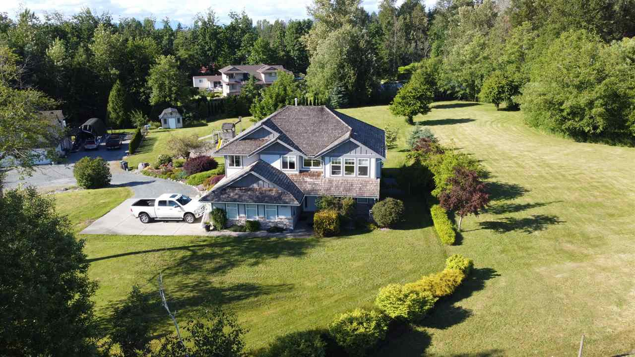 Main Photo: 19955 18 Avenue in Langley: Brookswood Langley House for sale : MLS®# R2505514