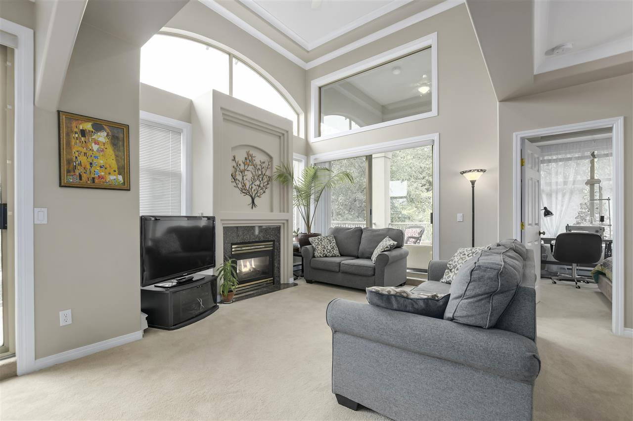 """Photo 5: Photos: 315 3176 PLATEAU Boulevard in Coquitlam: Westwood Plateau Condo for sale in """"THE TUSCANY"""" : MLS®# R2398138"""