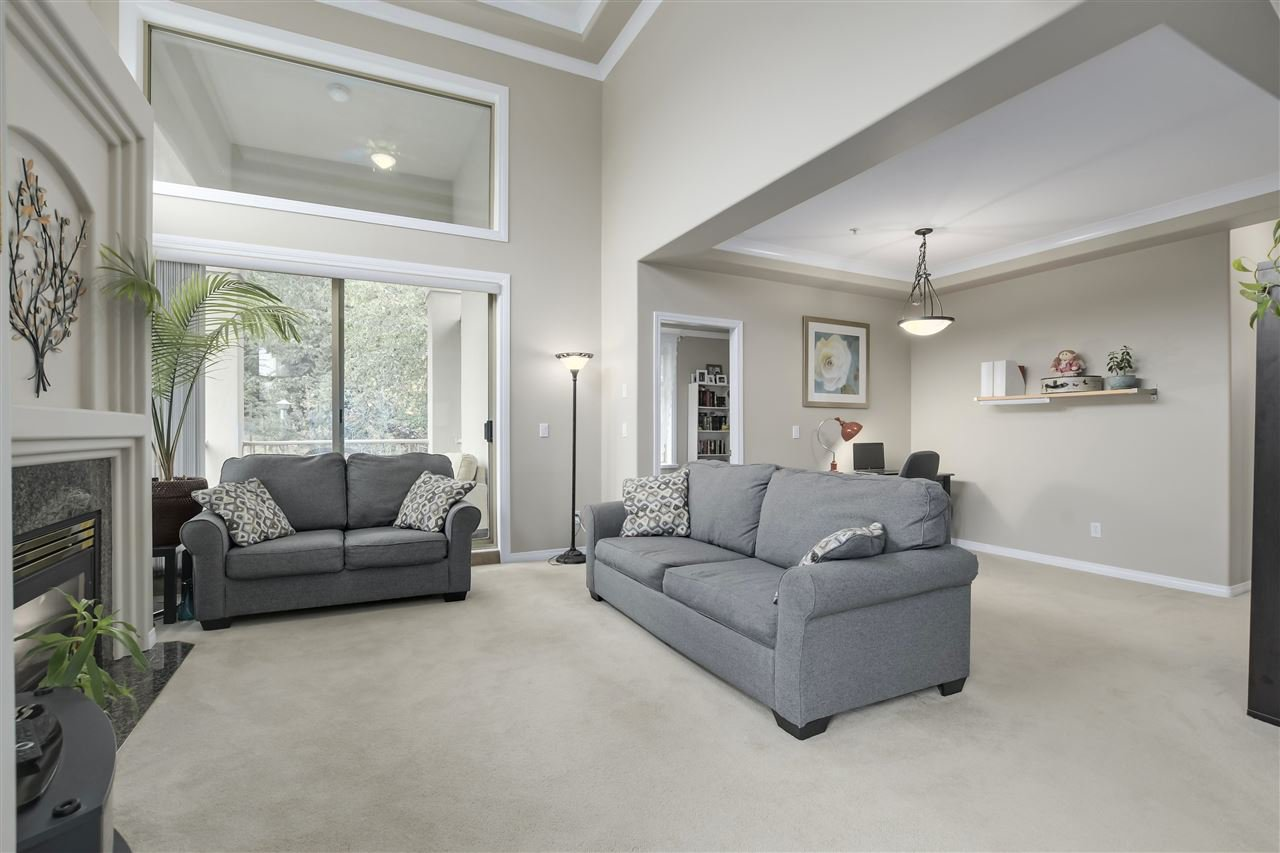 """Photo 6: Photos: 315 3176 PLATEAU Boulevard in Coquitlam: Westwood Plateau Condo for sale in """"THE TUSCANY"""" : MLS®# R2398138"""