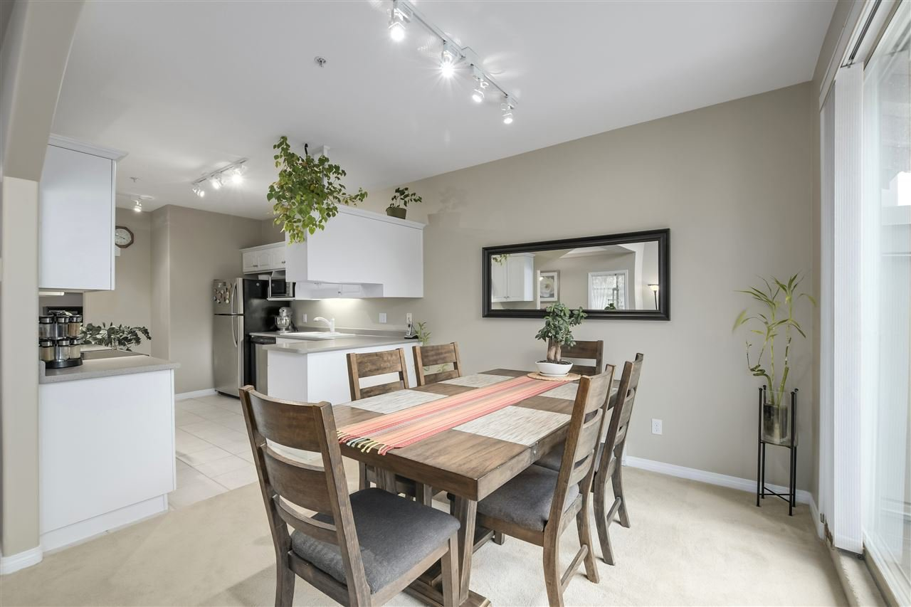 """Photo 13: Photos: 315 3176 PLATEAU Boulevard in Coquitlam: Westwood Plateau Condo for sale in """"THE TUSCANY"""" : MLS®# R2398138"""