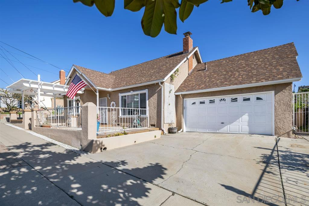 Main Photo: PARADISE HILLS House for sale : 4 bedrooms : 6529 Lockford Ave in San Diego
