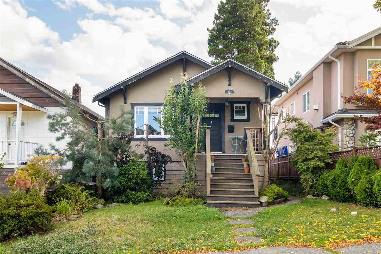 Main Photo: 3222 E GEORGIA STREET in Vancouver: Renfrew VE House for sale (Vancouver East)  : MLS®# R2503220