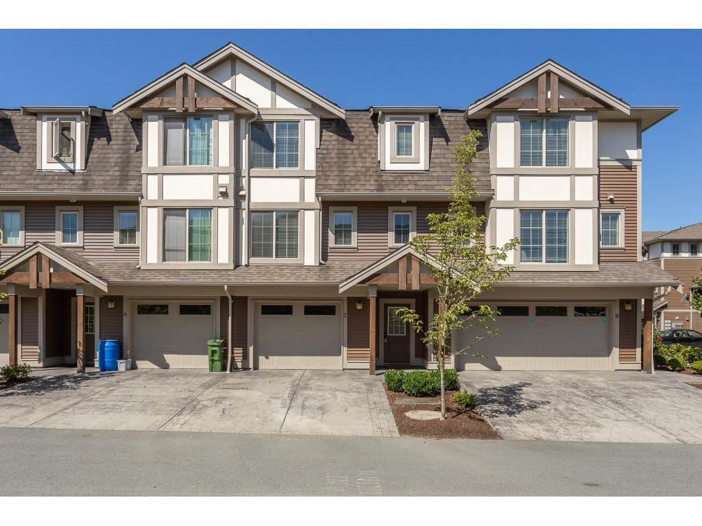 "Main Photo: 7 45025 WOLFE Road in Chilliwack: Chilliwack W Young-Well Townhouse for sale in ""CENTRE FIELD"" : MLS®# R2391348"