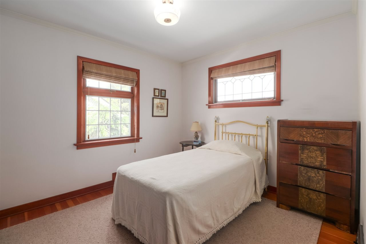 Photo 11: Photos: 805 FOURTH Street in New Westminster: GlenBrooke North House for sale : MLS®# R2402081