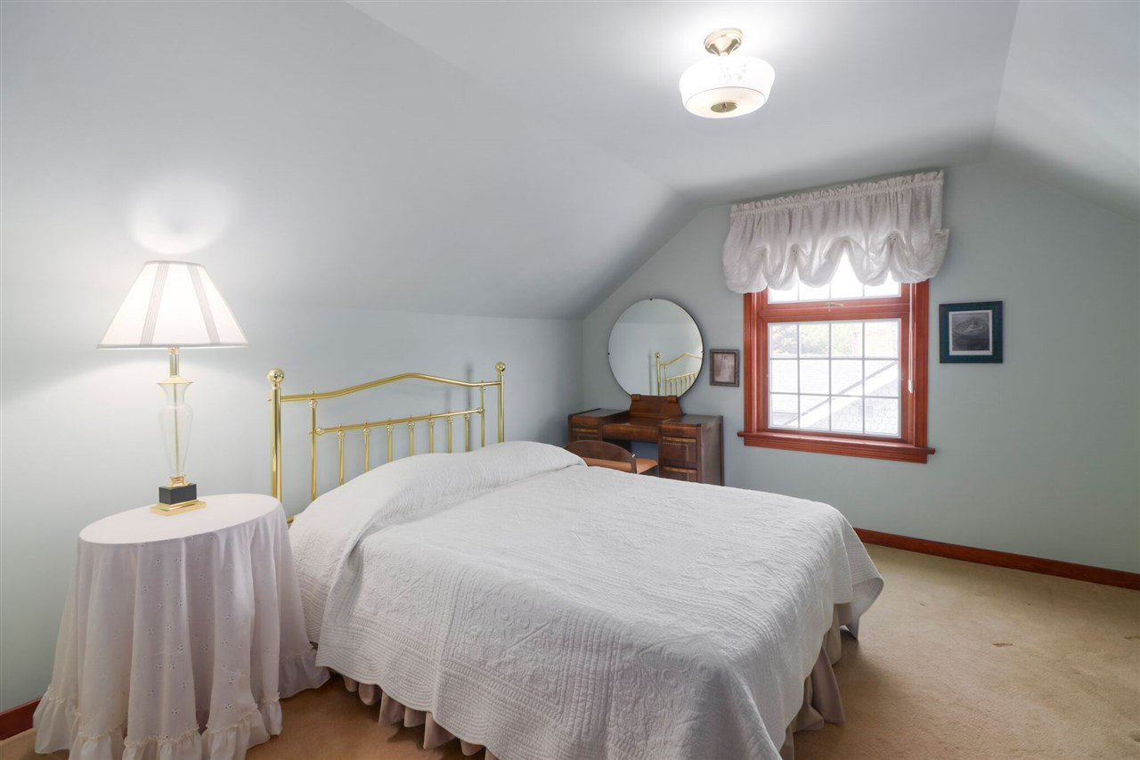 Photo 13: Photos: 805 FOURTH Street in New Westminster: GlenBrooke North House for sale : MLS®# R2402081