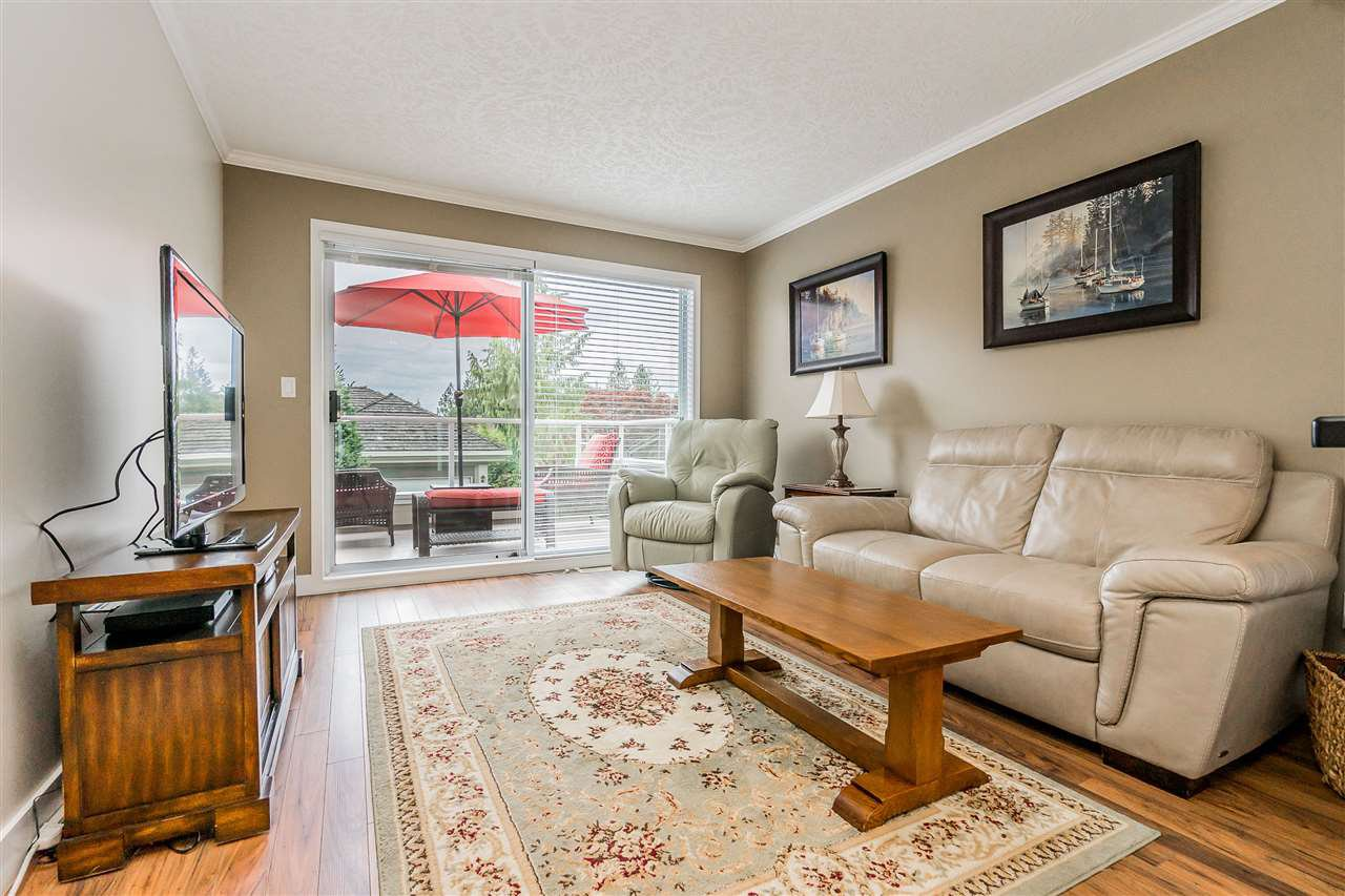 """Photo 11: Photos: 79 4001 OLD CLAYBURN Road in Abbotsford: Abbotsford East Townhouse for sale in """"Cedar Springs"""" : MLS®# R2427532"""