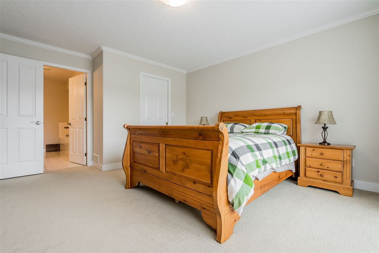 """Photo 18: Photos: 79 4001 OLD CLAYBURN Road in Abbotsford: Abbotsford East Townhouse for sale in """"Cedar Springs"""" : MLS®# R2427532"""