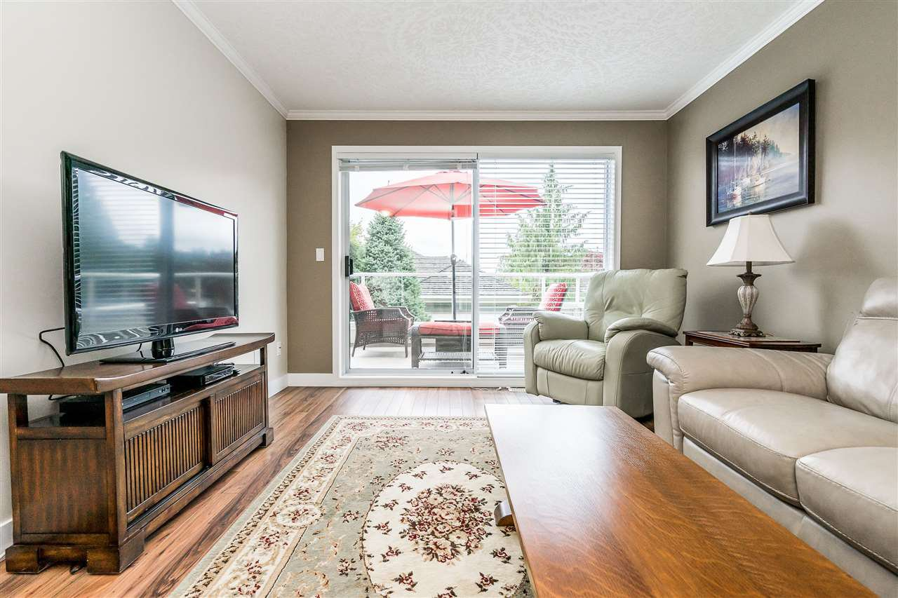 """Photo 12: Photos: 79 4001 OLD CLAYBURN Road in Abbotsford: Abbotsford East Townhouse for sale in """"Cedar Springs"""" : MLS®# R2427532"""