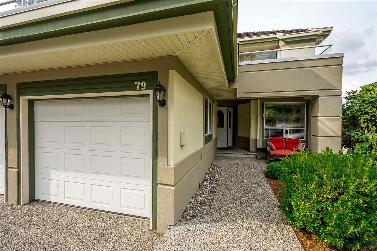 """Photo 2: Photos: 79 4001 OLD CLAYBURN Road in Abbotsford: Abbotsford East Townhouse for sale in """"Cedar Springs"""" : MLS®# R2427532"""