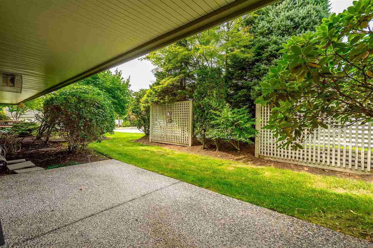 """Photo 34: Photos: 79 4001 OLD CLAYBURN Road in Abbotsford: Abbotsford East Townhouse for sale in """"Cedar Springs"""" : MLS®# R2427532"""
