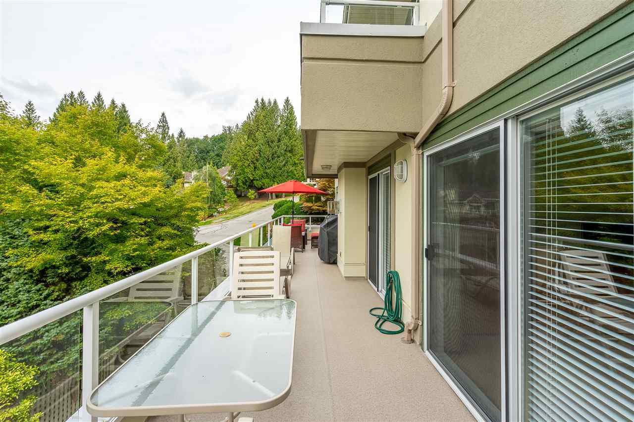 """Photo 16: Photos: 79 4001 OLD CLAYBURN Road in Abbotsford: Abbotsford East Townhouse for sale in """"Cedar Springs"""" : MLS®# R2427532"""