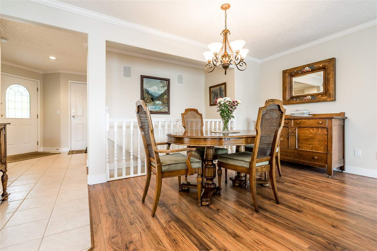 """Photo 8: Photos: 79 4001 OLD CLAYBURN Road in Abbotsford: Abbotsford East Townhouse for sale in """"Cedar Springs"""" : MLS®# R2427532"""