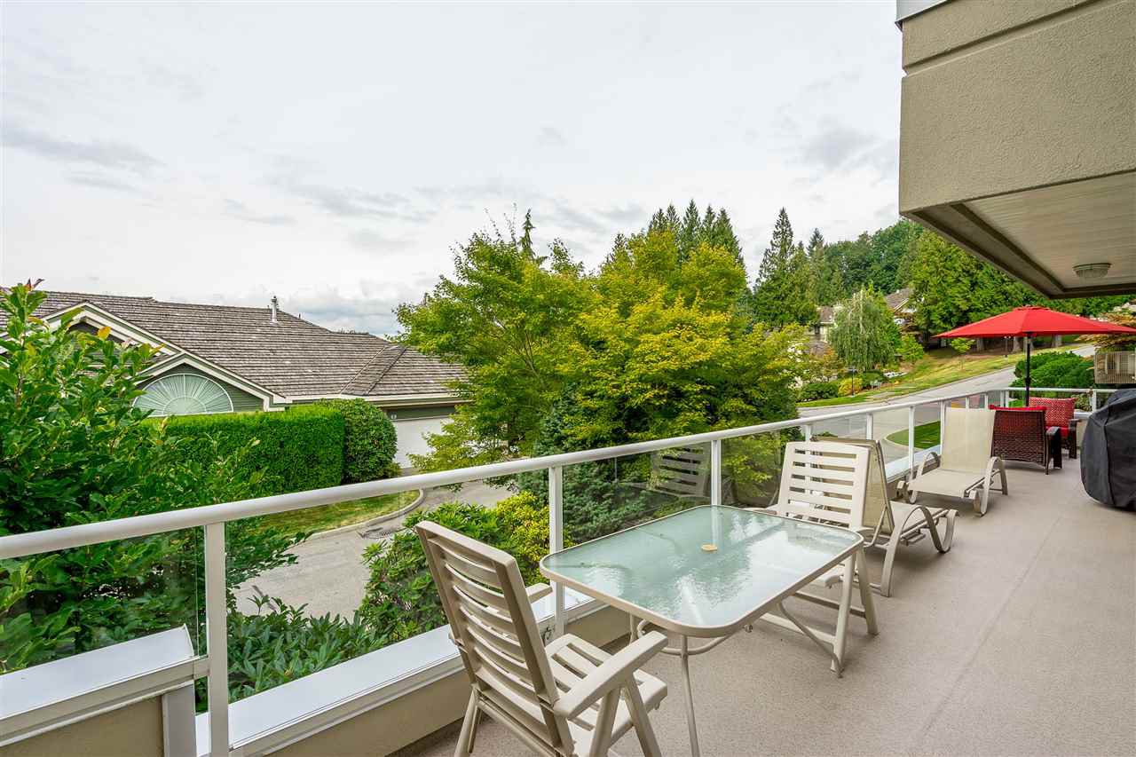 """Photo 15: Photos: 79 4001 OLD CLAYBURN Road in Abbotsford: Abbotsford East Townhouse for sale in """"Cedar Springs"""" : MLS®# R2427532"""