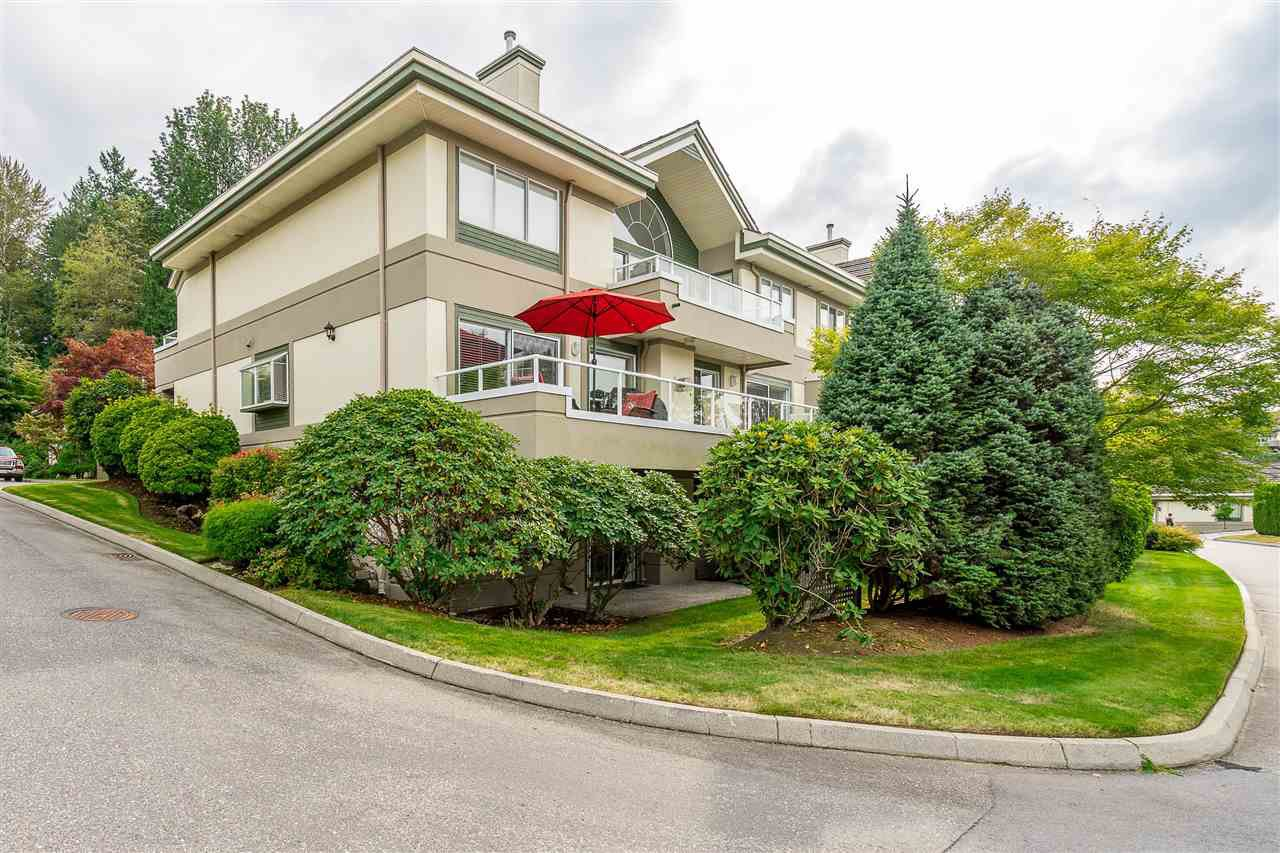 """Photo 3: Photos: 79 4001 OLD CLAYBURN Road in Abbotsford: Abbotsford East Townhouse for sale in """"Cedar Springs"""" : MLS®# R2427532"""