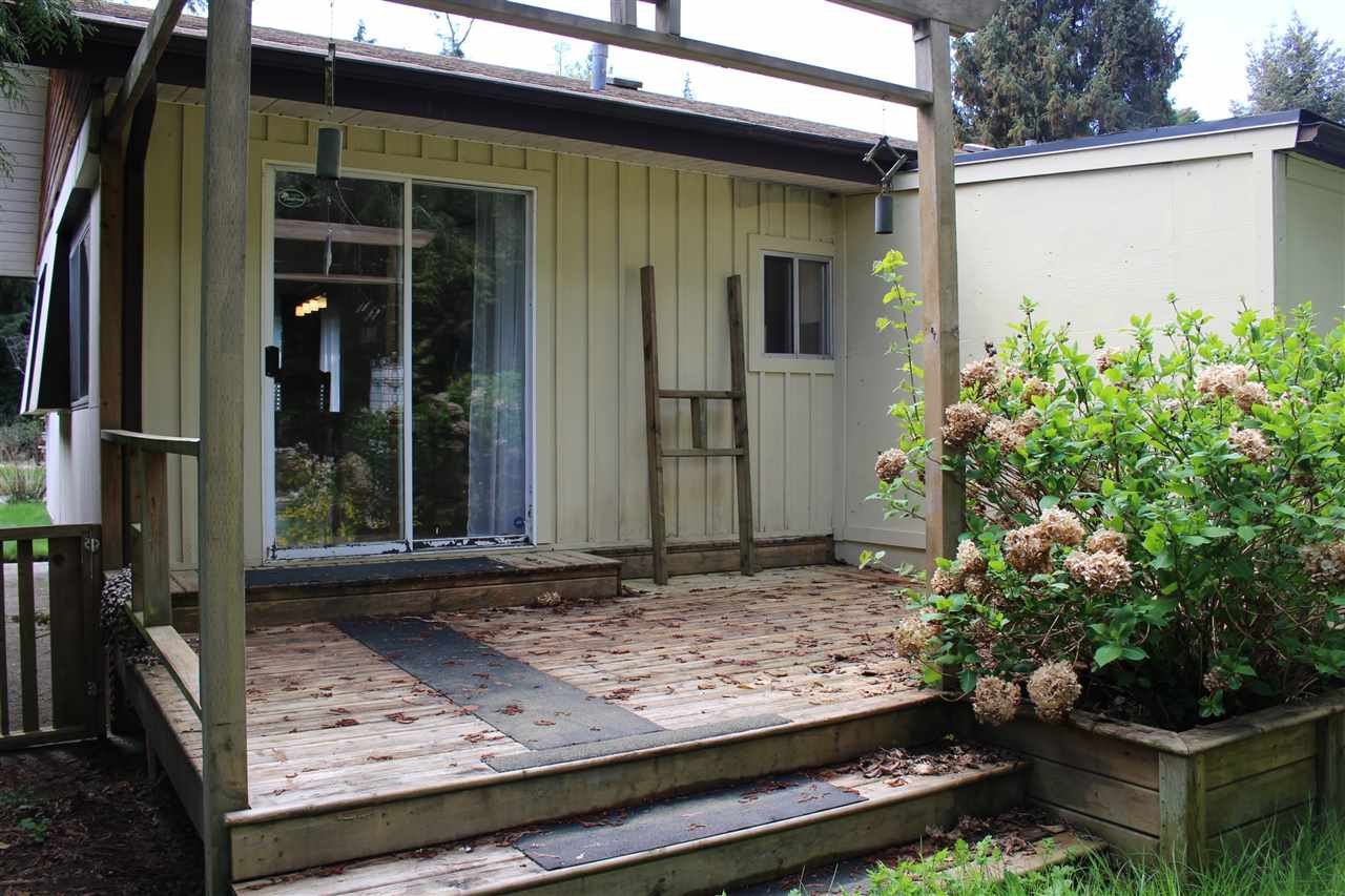 """Photo 10: Photos: 4494 HUPIT Street in Sechelt: Sechelt District Manufactured Home for sale in """"MISSION POINT"""" (Sunshine Coast)  : MLS®# R2454699"""