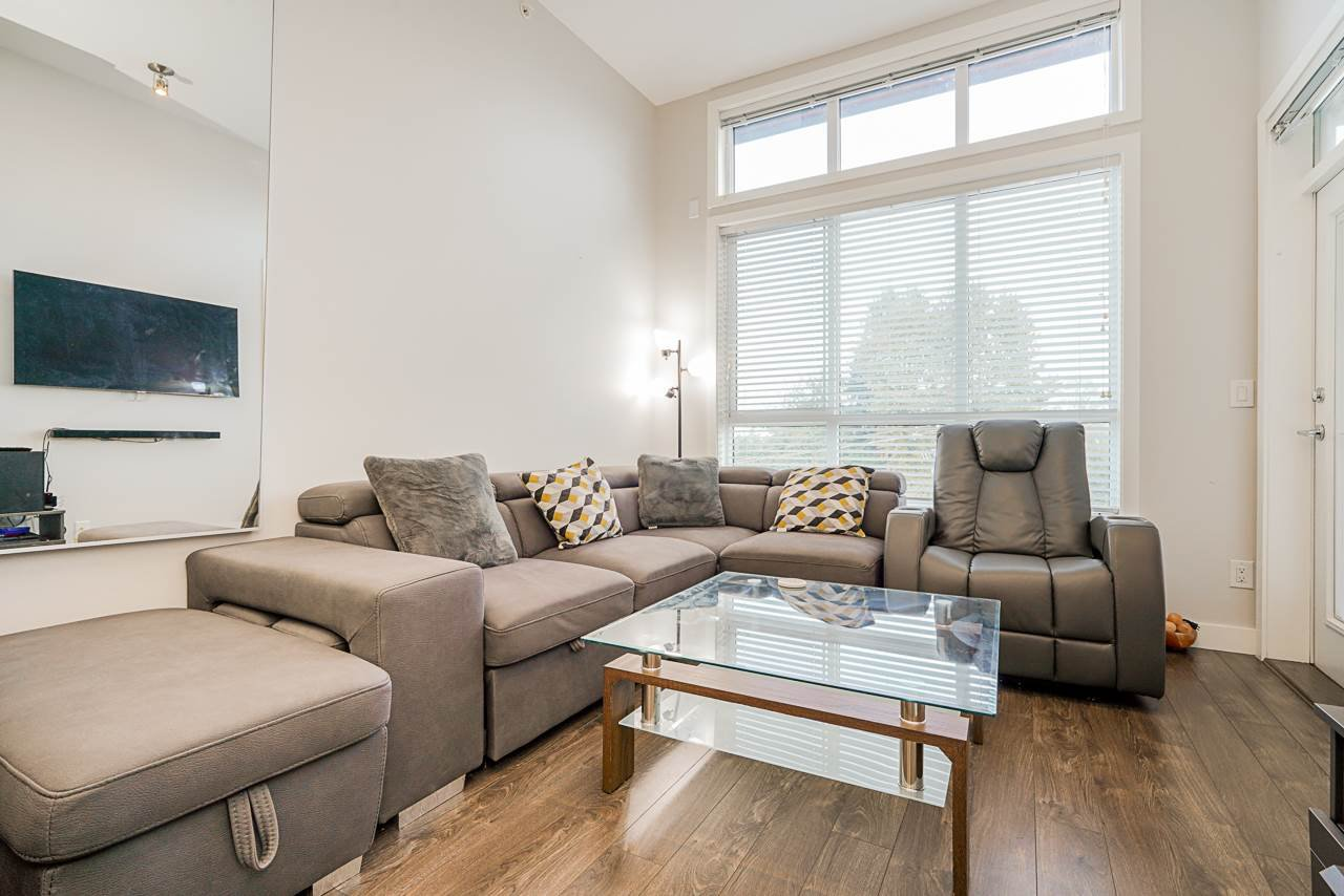 """Main Photo: 413 10477 154 Street in Surrey: Guildford Condo for sale in """"G3 RESIDENCES"""" (North Surrey)  : MLS®# R2498903"""