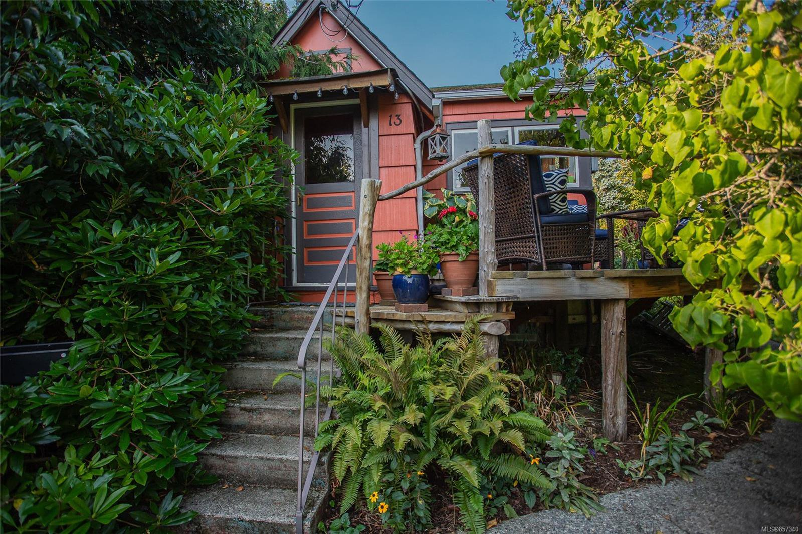Main Photo: 13 Machleary St in : Na Old City House for sale (Nanaimo)  : MLS®# 857340