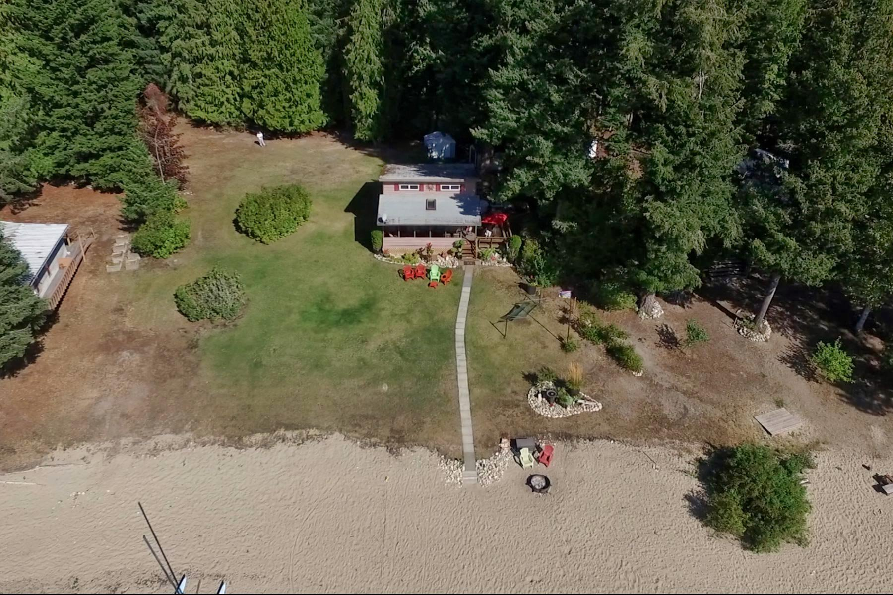Photo 2: Photos: 3620 Hilliam Frontage Road in Scotch Creek: House for sale : MLS®# 10217240