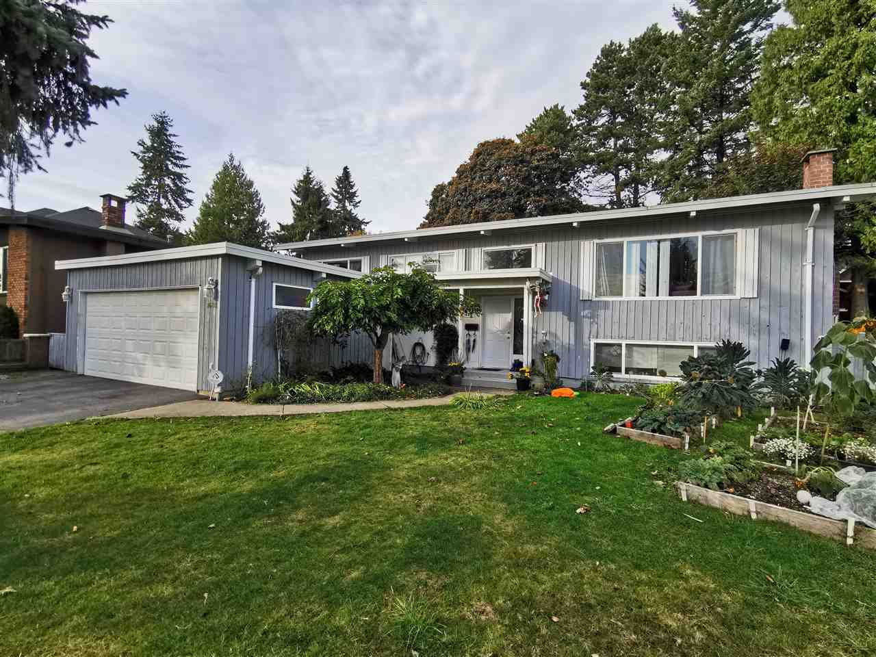 Main Photo: 1685 DANSEY AVENUE in Coquitlam: Central Coquitlam House for sale : MLS®# R2511920