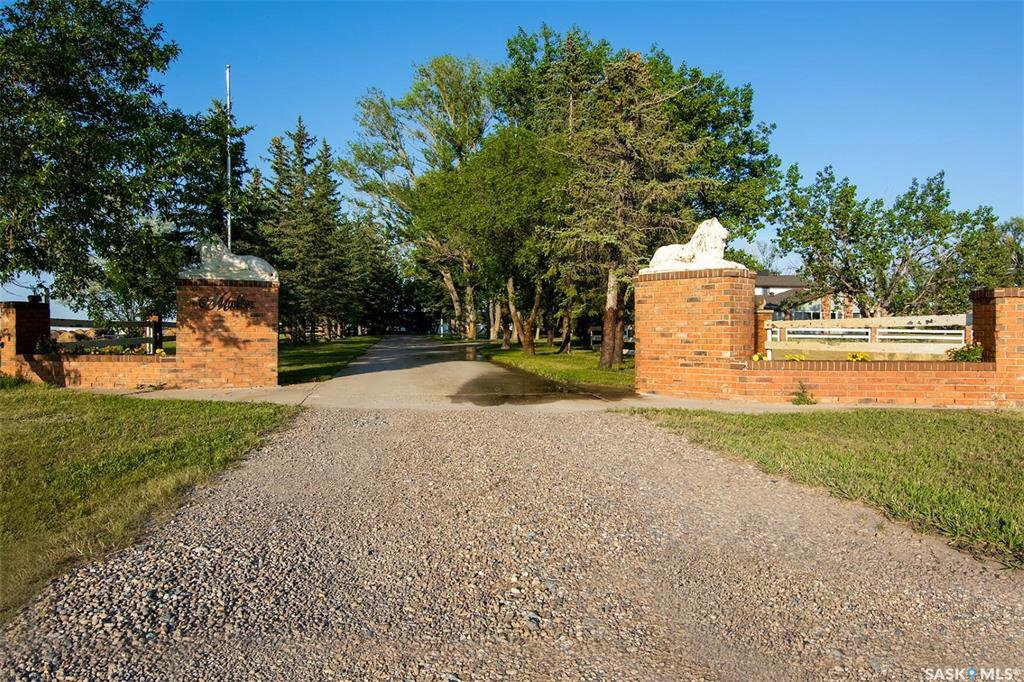 Main Photo: Mueller Acreage in Swift Current: Residential for sale (Swift Current Rm No. 137)  : MLS®# SK822112