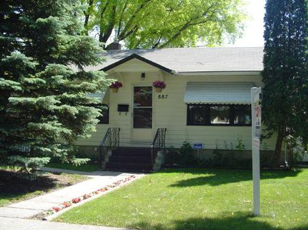 Main Photo: 887 Strathcona St. in Winnipeg: MB RED for sale : MLS®# 2610312