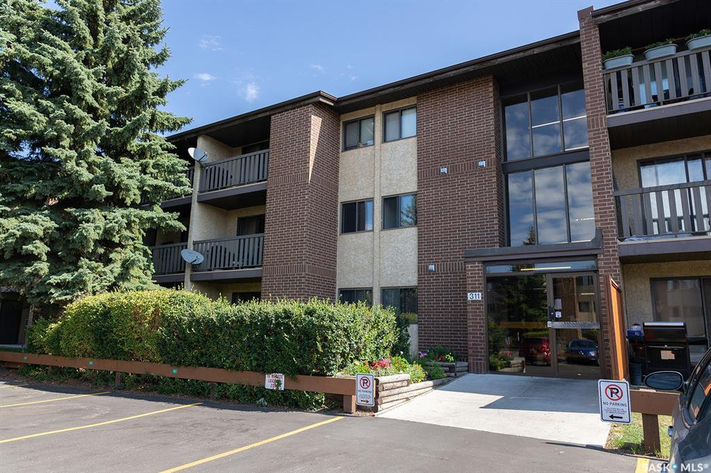 Main Photo: 305 311 Tait Crescent in Saskatoon: Wildwood Residential for sale : MLS®# SK824029