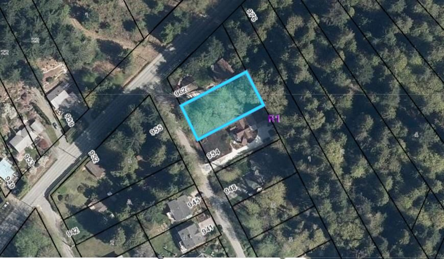 """Main Photo: Lot 2 FEENEY Road in Gibsons: Gibsons & Area Land for sale in """"Soames Point"""" (Sunshine Coast)  : MLS®# R2494083"""