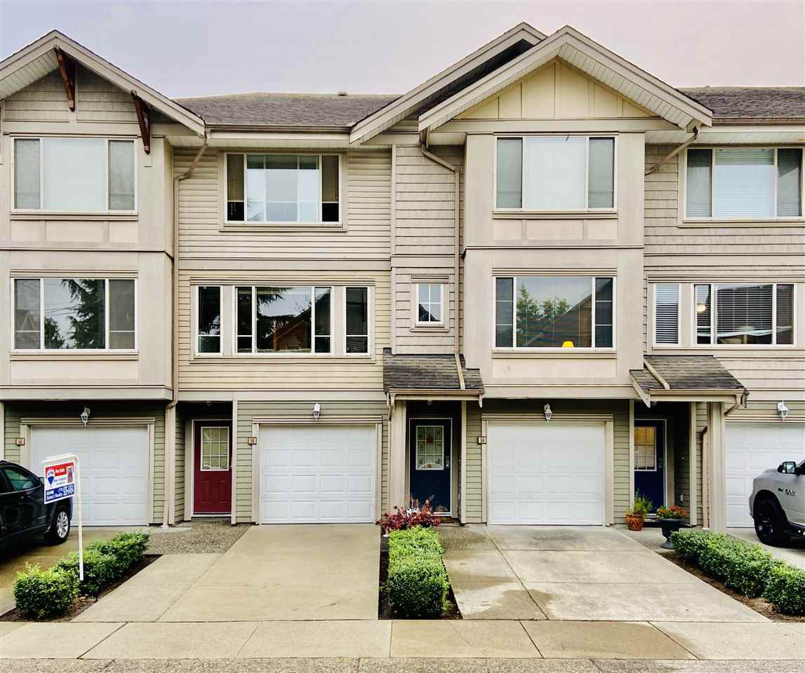Main Photo: 35 5388 201A Street in Langley: Langley City Townhouse for sale : MLS®# R2498681