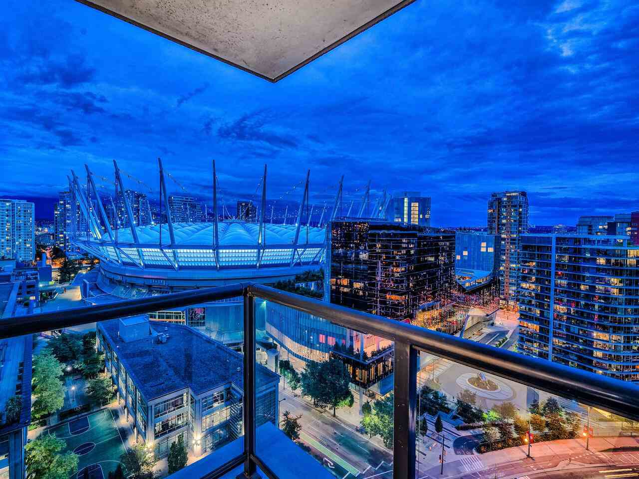 """Main Photo: 2502 928 BEATTY Street in Vancouver: Yaletown Condo for sale in """"THE MAX 1"""" (Vancouver West)  : MLS®# R2502198"""