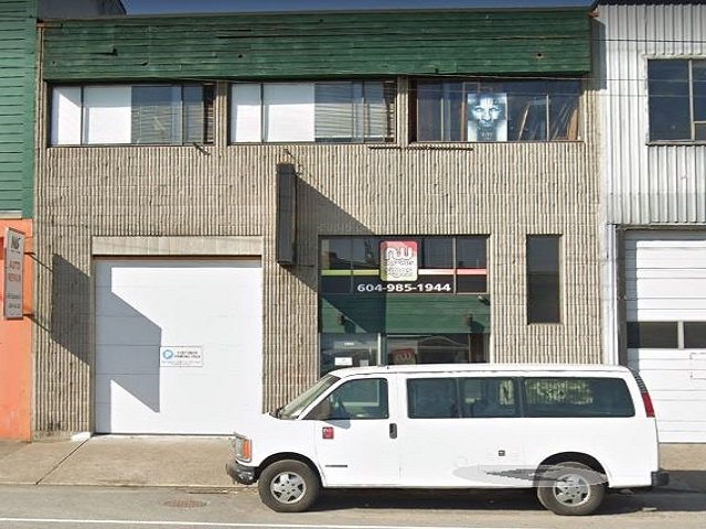 Main Photo:  in North Vancouver: Lower Lonsdale Business for sale : MLS®# C8028480