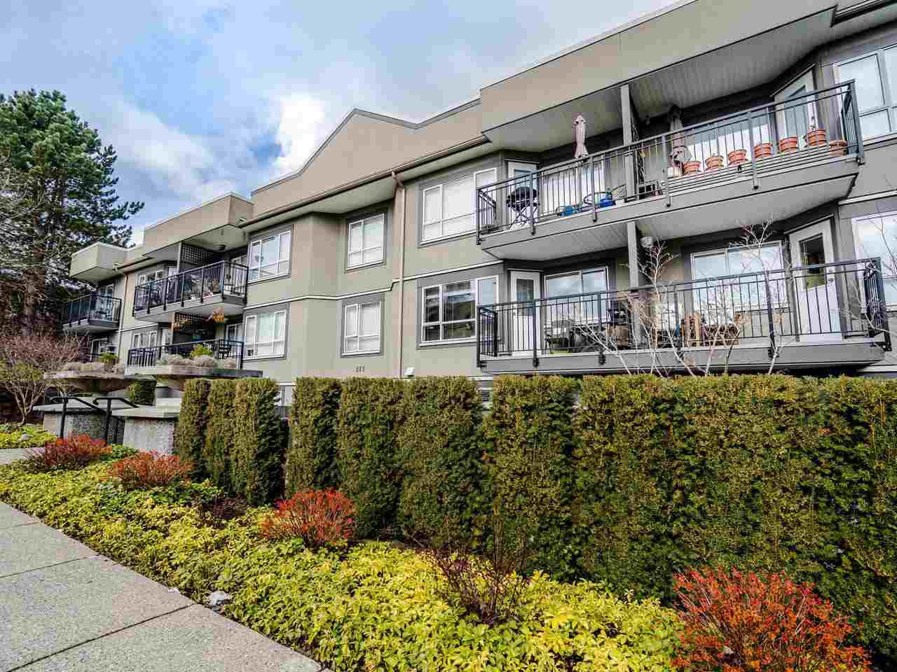 """Main Photo: 213 555 W 14TH Avenue in Vancouver: Fairview VW Condo for sale in """"Cambridge Place"""" (Vancouver West)  : MLS®# R2448193"""