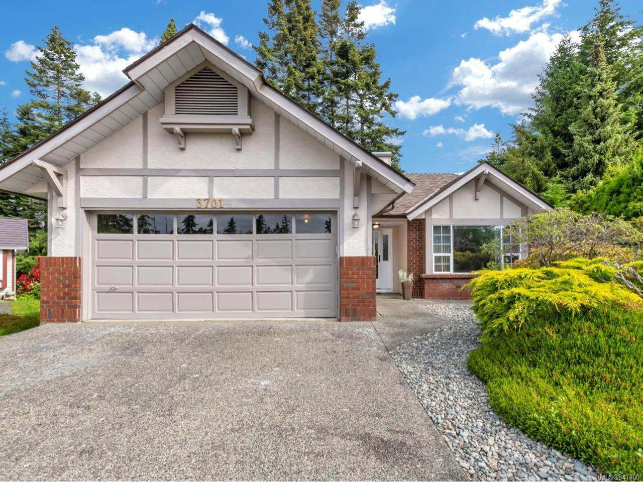 Main Photo: 3701 N Arbutus Dr in COBBLE HILL: ML Cobble Hill House for sale (Malahat & Area)  : MLS®# 841306