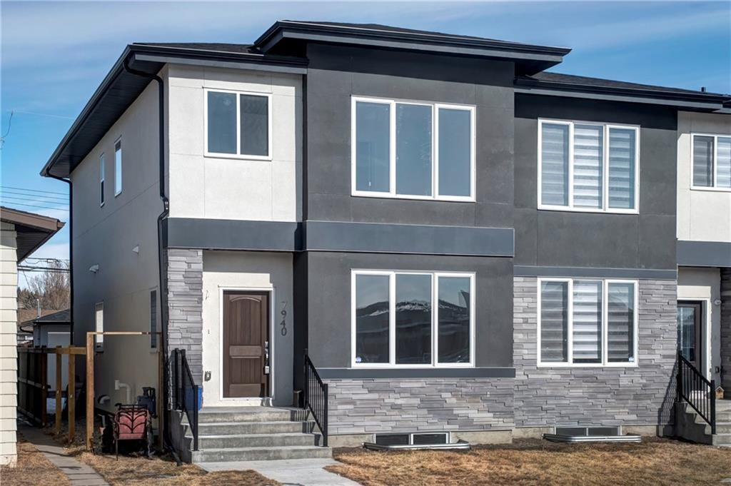 Main Photo: 7940 46 Avenue NW in Calgary: Bowness Semi Detached for sale : MLS®# C4306157